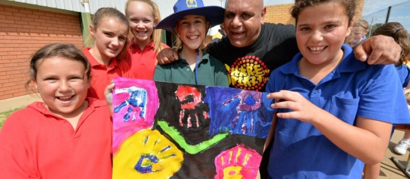 Vibe 3on3 Art Workshop; With Kevin Kropinyeri L to R; Tanisha Brown, Taelah Jackson, Makayla Broadbent, Sarah Zappala, Mikayla Boots, Leeton Public School